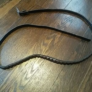 Accessories - DONATED Thin black studded belt